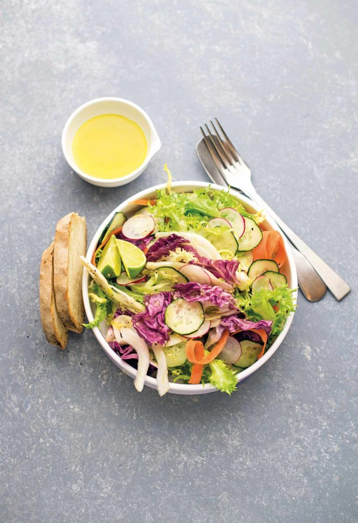 Crunchy salad with ginger-infused citronette dressing