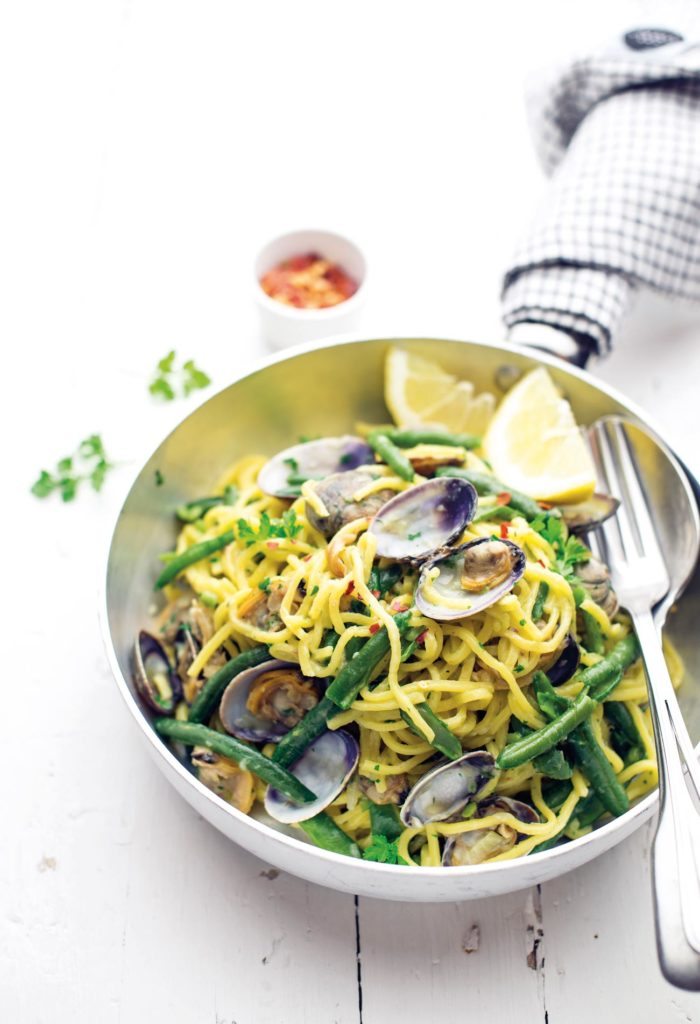 Tagliolini with clams, green beans and lemon